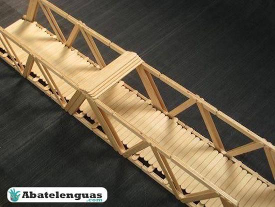 Puentes con palos de madera